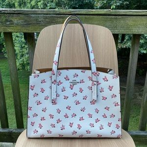 Coach Carryall Floral Bloom